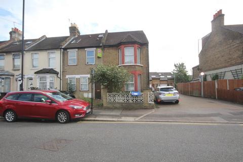 Studio to rent - Durants Road, Enfield