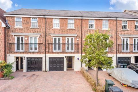 3 bedroom terraced house for sale - Sandringham Drive, Bexley Park