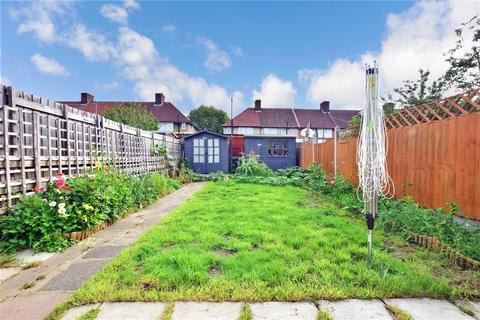 2 bedroom terraced house for sale - Osborne Square, Dagenham, Essex