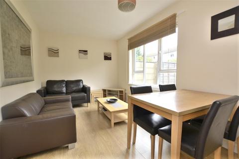 4 bedroom semi-detached house to rent - Flexney Place, Headington, OXFORD, OX3