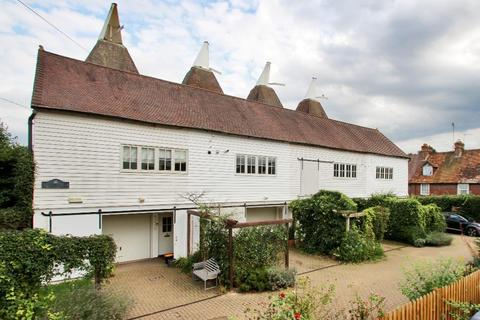 3 bedroom terraced house for sale - Station Oast, Horsmonden, Kent, TN12 8AE