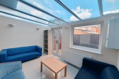 5 bedroom end of terrace house to rent - Ironmongers Place, Island Gardens / Greenwich, London, E14 9YD