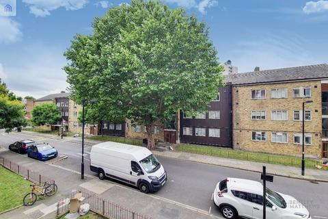 4 bedroom flat to rent - Cooks Road, Kennington, London, SE17 3NF