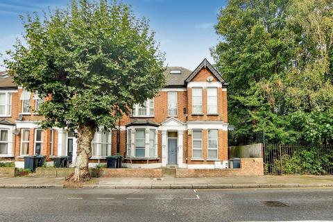 2 bedroom flat for sale - Belmont Road, London N15