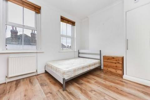 3 bedroom flat to rent - Green Lanes, London N4