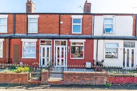 2 bedroom terraced house to rent - Wellfield Street, Warrington