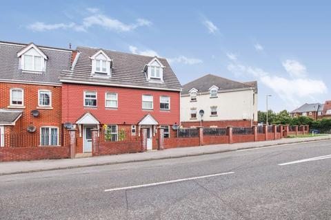 3 bedroom townhouse to rent - Avro Court, Hamble