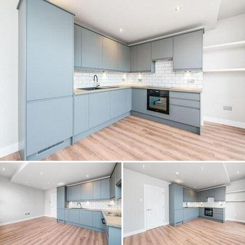 3 bedroom apartment for sale - Myddleton Road, London, N22