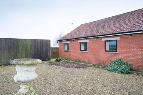 2 bedroom house to rent - CRICKLADE