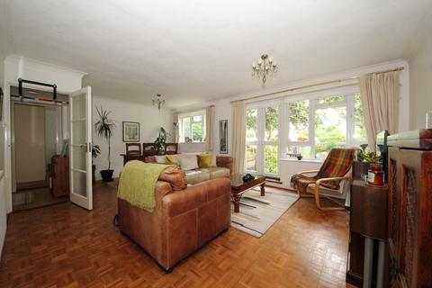 2 bedroom flat for sale - Springbank, London, N21