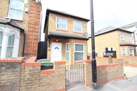 3 bedroom detached house to rent - Hornsey Park Road, Turnpike Lane, N8