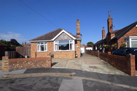 2 bedroom detached bungalow for sale - Nightingale Drive, Bridlington, East Yorkshire, YO16