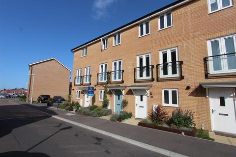 3 bedroom terraced house for sale - Buttercup Avenue, Minster On Sea, Sheerness
