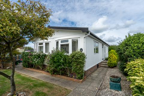 2 bedroom mobile home for sale - Oaktree Close, Nyetimber, Bognor Regis, West Sussex, PO21 3PW