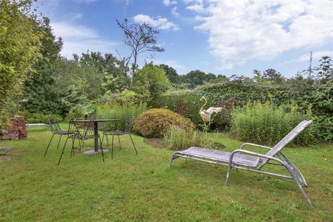 3 bedroom bungalow for sale - Standen Street, Iden Green, Cranbrook, Kent
