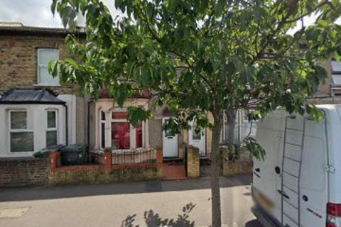 4 bedroom terraced house to rent - Crownfield Road, London, E15