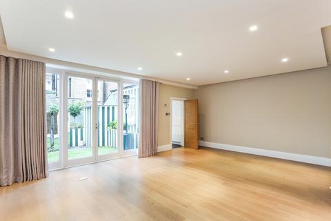4 bedroom terraced house to rent - Cadogan Lane, Belgravia