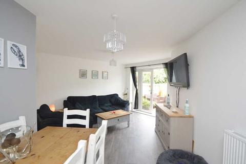 2 bedroom apartment - FALMOUTH