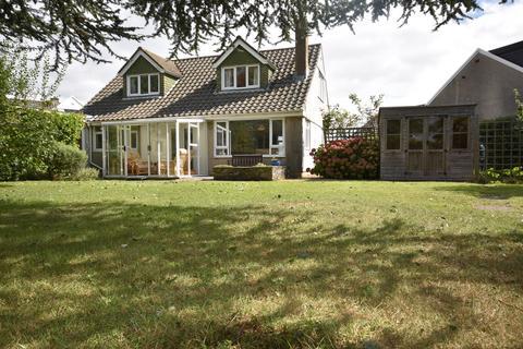 3 bedroom detached bungalow to rent - Llandaff Close, Penarth