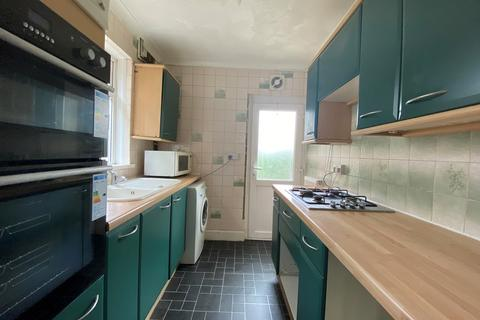 4 bedroom semi-detached house to rent - Lilac Road