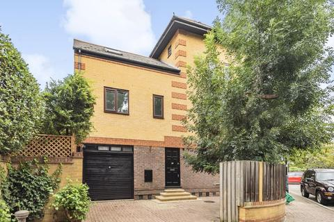 5 bedroom detached house for sale - Middleton Drive, Canada Water SE16