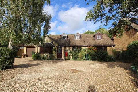 4 bedroom detached bungalow for sale - Grenville House, Main Road, Farthinghoe