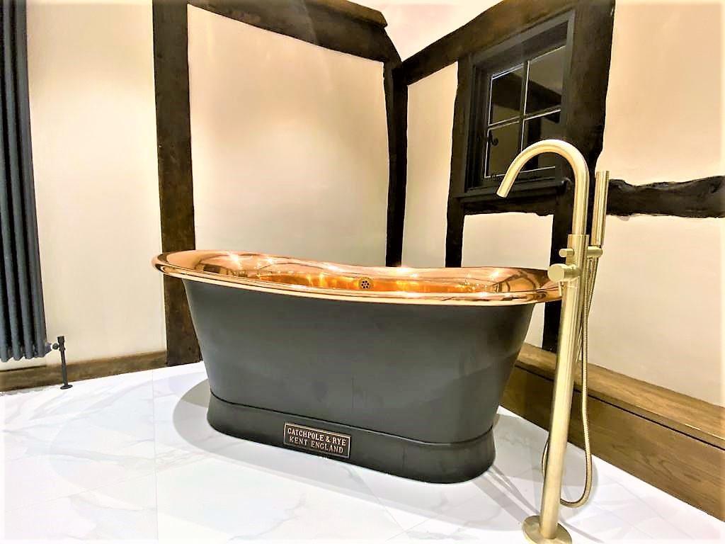 Roll Top Free Standing Bath