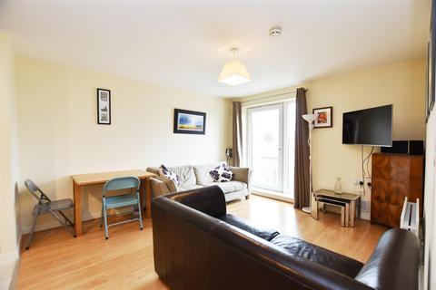 1 bedroom apartment - Heath Road, Hounslow