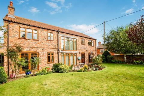 5 bedroom detached house for sale - Long Street, Foston, Grantham