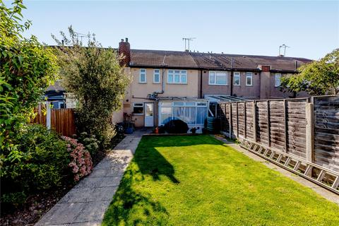 3 bedroom terraced house for sale - Heather Way, Romford, RM1