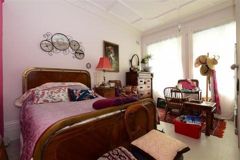 1 bedroom ground floor flat for sale - Prince Edwards Road, Lewes, East Sussex