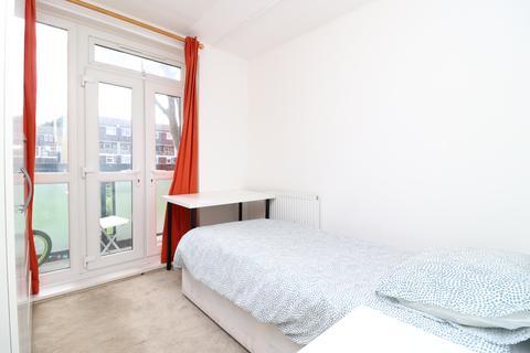 1 bedroom house share to rent - Malmesbury House, Bow, London E3