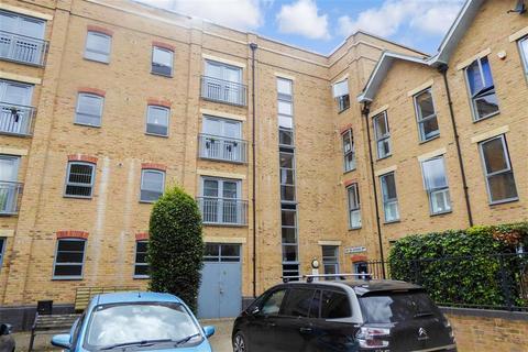 2 bedroom flat for sale - Esparto Way, Dartford, Kent
