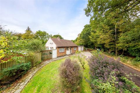 3 bedroom bungalow for sale - Southwood Chase, Danbury, Chelmsford, Essex, CM3