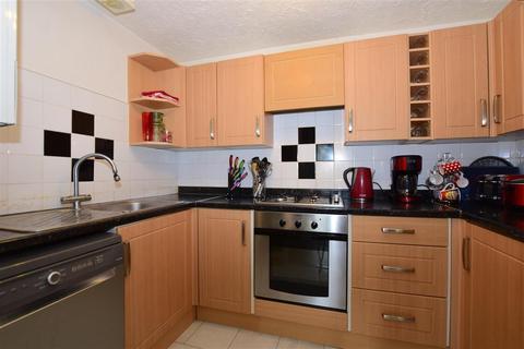 1 bedroom ground floor flat for sale - Kingswood Drive, Sutton, Surrey