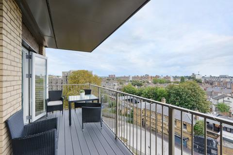 2 bedroom flat for sale - Adenmore Road, SE6
