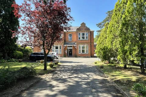 1 bedroom apartment for sale - Hucclecote Lodge, 174 Hucclecote Road, Hucclecote, Gloucester, GL3