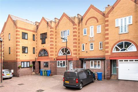 2 bedroom townhouse for sale - Hardy Close, London, SE16