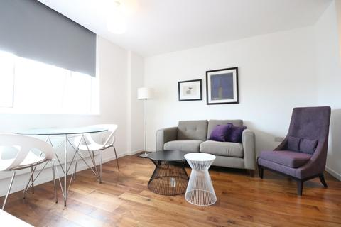 1 bedroom apartment to rent - Bromyard House, Bromyard Avenue