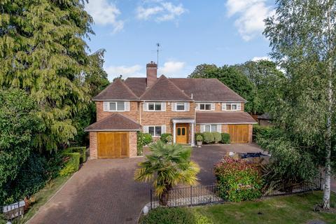 6 bedroom detached house for sale - Camp Road, Gerrards Cross, Buckinghamshire