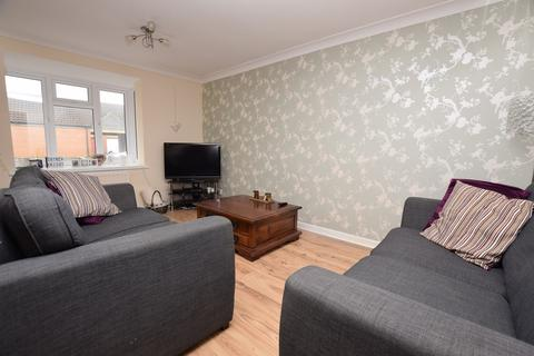 2 bedroom semi-detached house to rent - Westminster Way, Banbury, OX16