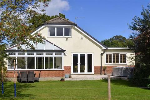 4 bedroom chalet for sale - Merley Park Road, Wimborne, Dorset