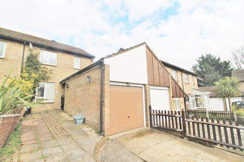 3 bedroom semi-detached house to rent - Morley Close, Southampton, SO19