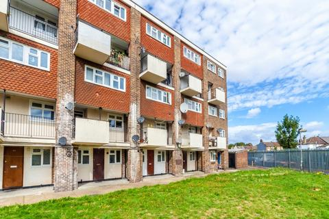 1 bedroom flat for sale - Wisbeach Road, Croydon, CR0