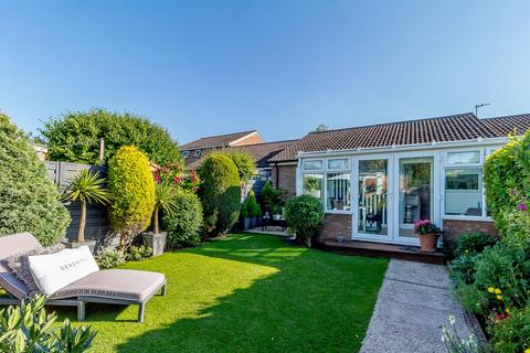 2 bedroom terraced bungalow for sale - Jubilee Way, Steeple Morden, Royston, SG8