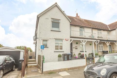 2 bedroom flat for sale - Linden Avenue, Broadstairs
