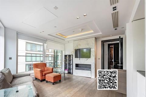2 bedroom flat - Wolfe Street, Kensington High Street, London,W14