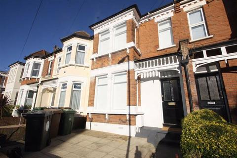 Property to rent - Colworth Road, Leytonstone