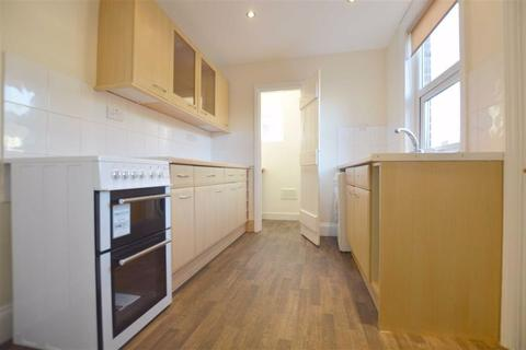 2 bedroom terraced house to rent - Newport Road, Reading
