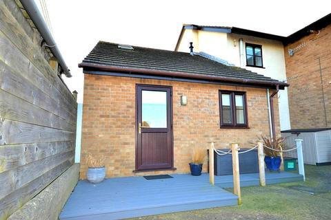 1 bedroom flat for sale - West Bay Road, Bridport